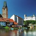 Máme tu první srpnový den, a to je třeba oslavit nějakým výletem blízko u vody… například u Vltavy. Nebo rovnou na…