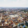 Náměstí v Českých Budějicích. Jedná se o druhé největší čtvercové náměstí v ČR. Které je to první? 😊 . . . . . . . . . …