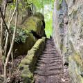 Schody jako v pohádce naleznete po žluté trase z Hradska do údolí 🌳🧚♀️ . . . Foto: MAS Vyhlídky . #rekavltavaig …