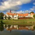 Kdo se těší na hezké počasí a návštěvu Regionálního muzea v Jílovém u Prahy? 😎  #rekavltavaig #usek4ig #posazavi …